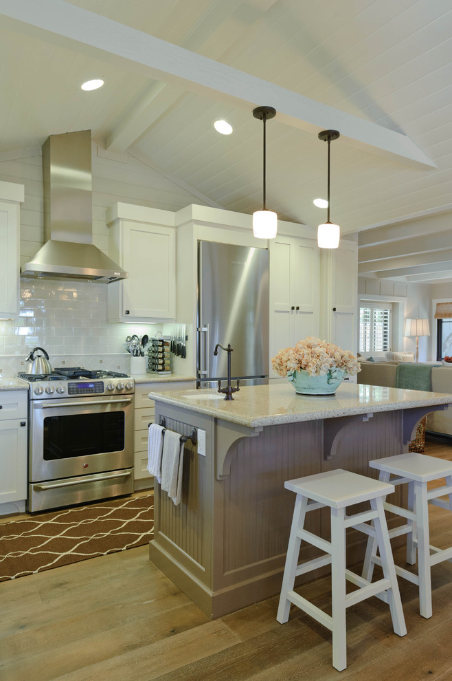 Example of a beach style kitchen design in San Francisco
