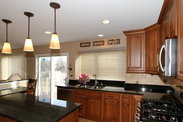 Carol stream kitchen remodeling for Carole kitchen and bath design ma