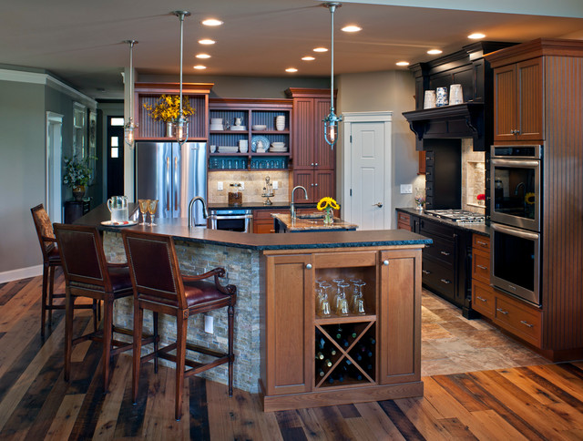 Superb Mountain Style L Shaped Medium Tone Wood Floor Eat In Kitchen Photo In  Charlotte
