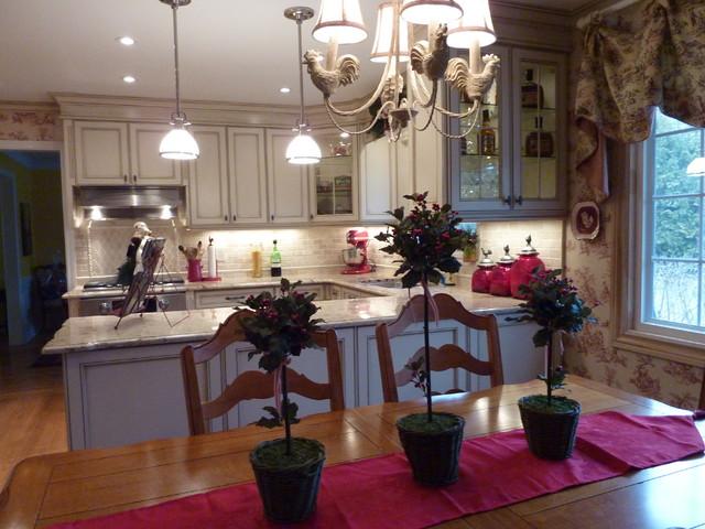 Carolyn Pulis traditional-kitchen