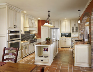 Carrollton Design Remodel - Traditional - Kitchen - Dallas - by USI Design & Remodeling