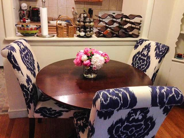 Casablanca lily fuchsia pink peony arrangement in glass for Kitchen arrangements photos