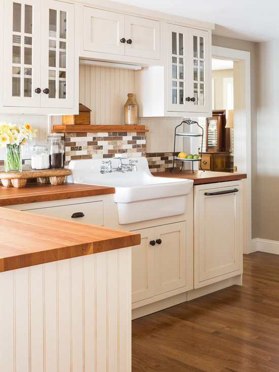 Brown Farmhouse Sink : ... & Photos with Brown Backsplash, White Cabinets and a Farmhouse Sink
