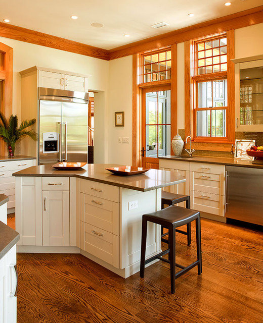 Cassique Residence traditional-kitchen