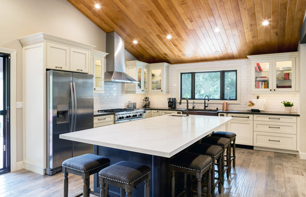 Inspiration for a shabby-chic style kitchen remodel in San Francisco