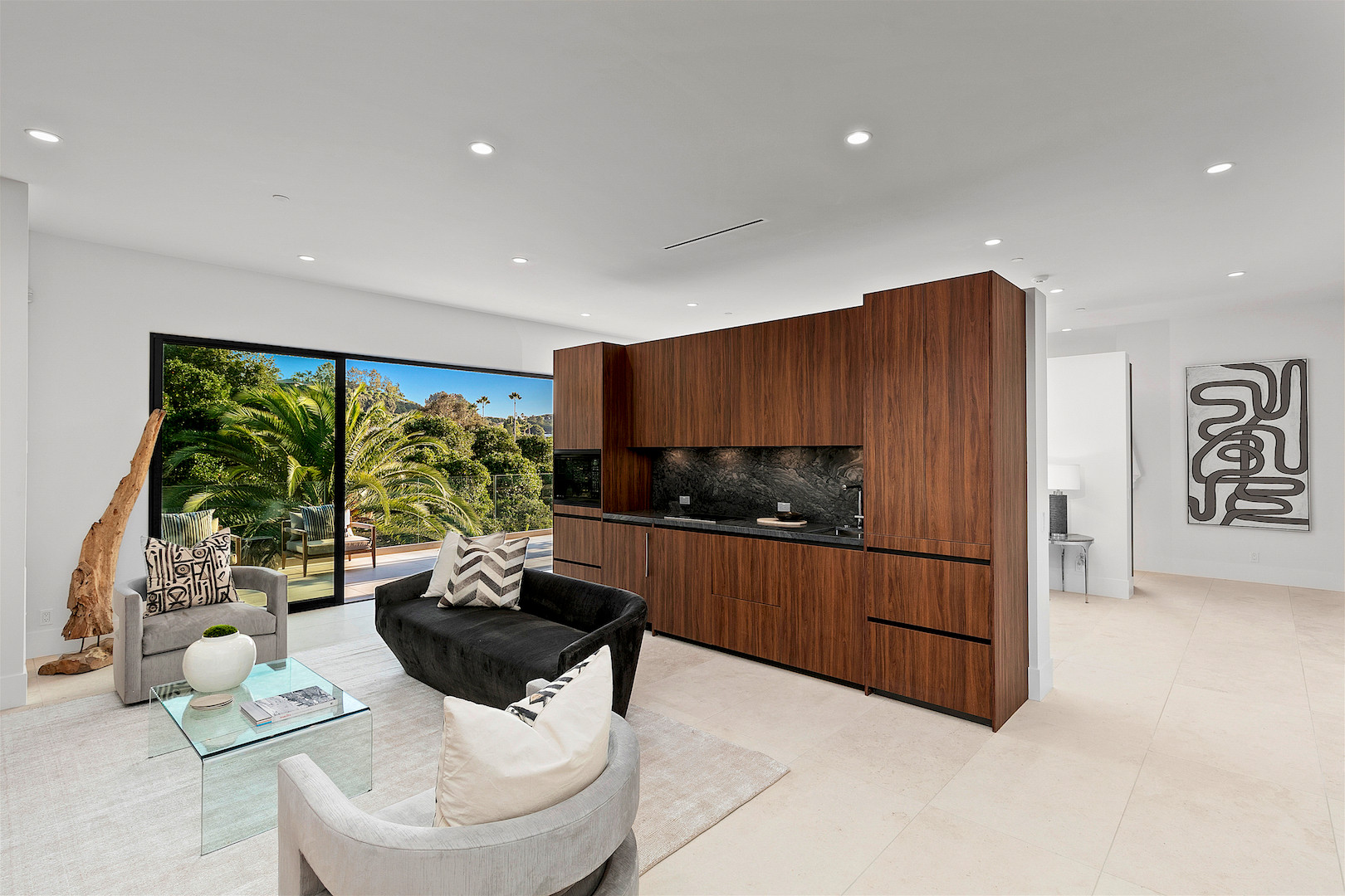 Casual Contemporary - Guest House