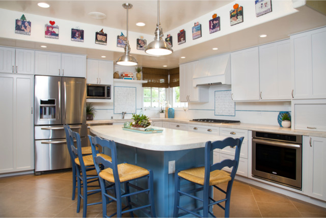 Casual country kitchen beach style kitchen san diego for Casual kitchen design ideas
