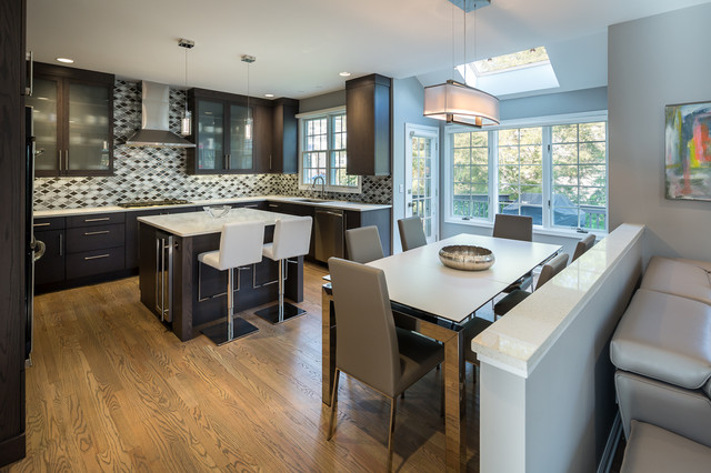 Casual Modern Kitchen In Fairfield Ct Modern Kitchen New York By Debra Lipset Designs