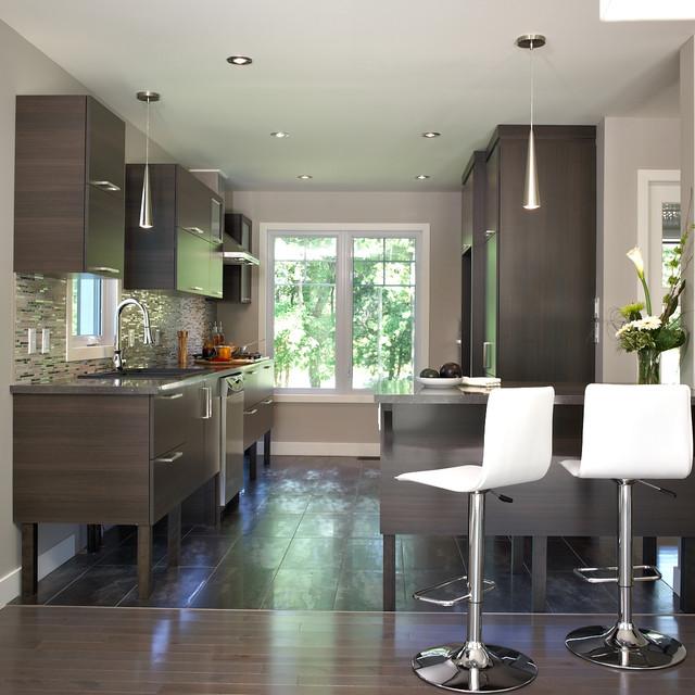 cb10.07 64355.jpg kitchen