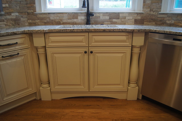 Ccff kitchen cabinet finishes traditional kitchen for Kitchen cabinet finishes