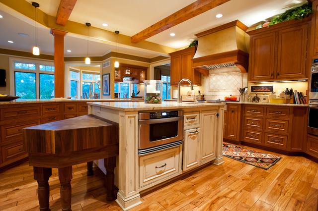 Cedar traditional-kitchen