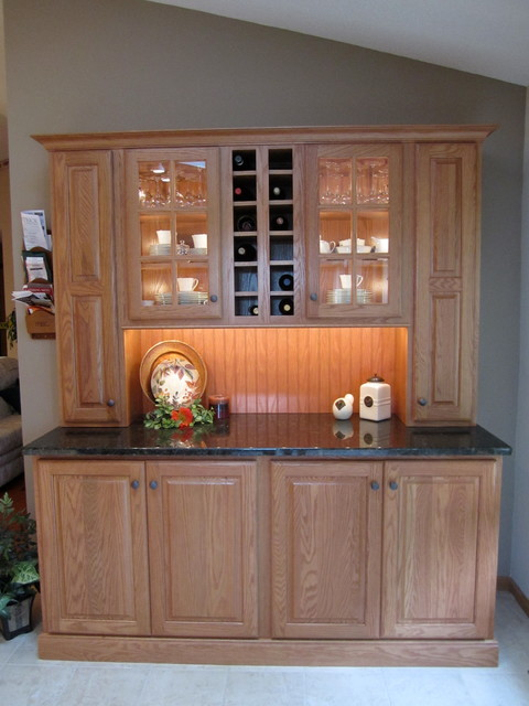 Cedar Falls, Kitchen traditionalkitchen