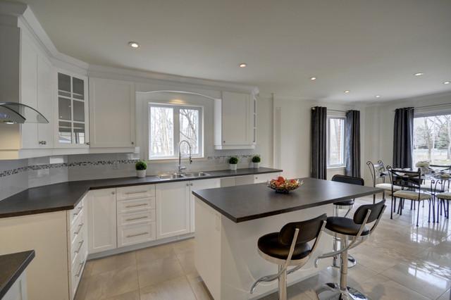 Celtic Residence modern-kitchen