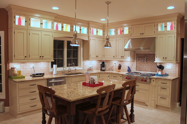 Center hall colonial traditional kitchen other metro for Center hall colonial living room ideas