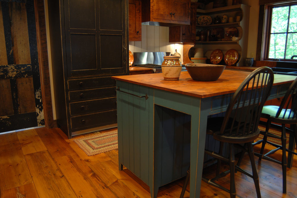 Central Kentucky Log Cabin Primitive Kitchen Eclectic Kitchen Louisville By The Workshops Of David T Smith