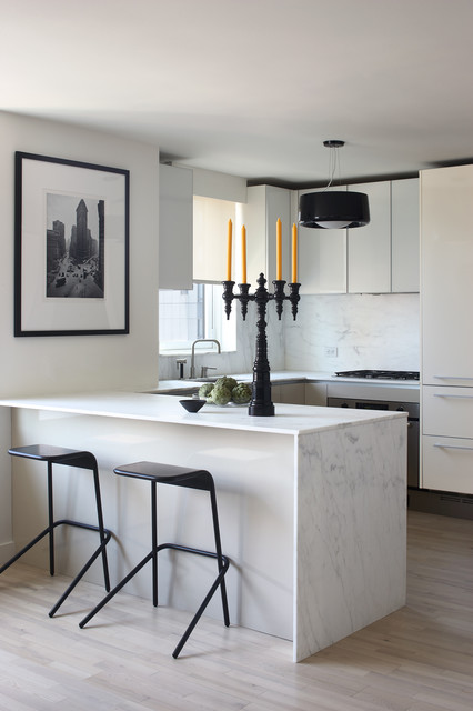 Central Park Pied à terre modern-kitchen