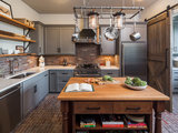 traditional kitchen New This Week: 2 Charming Farmhouse Kitchens With Modern Convenience (5 photos)