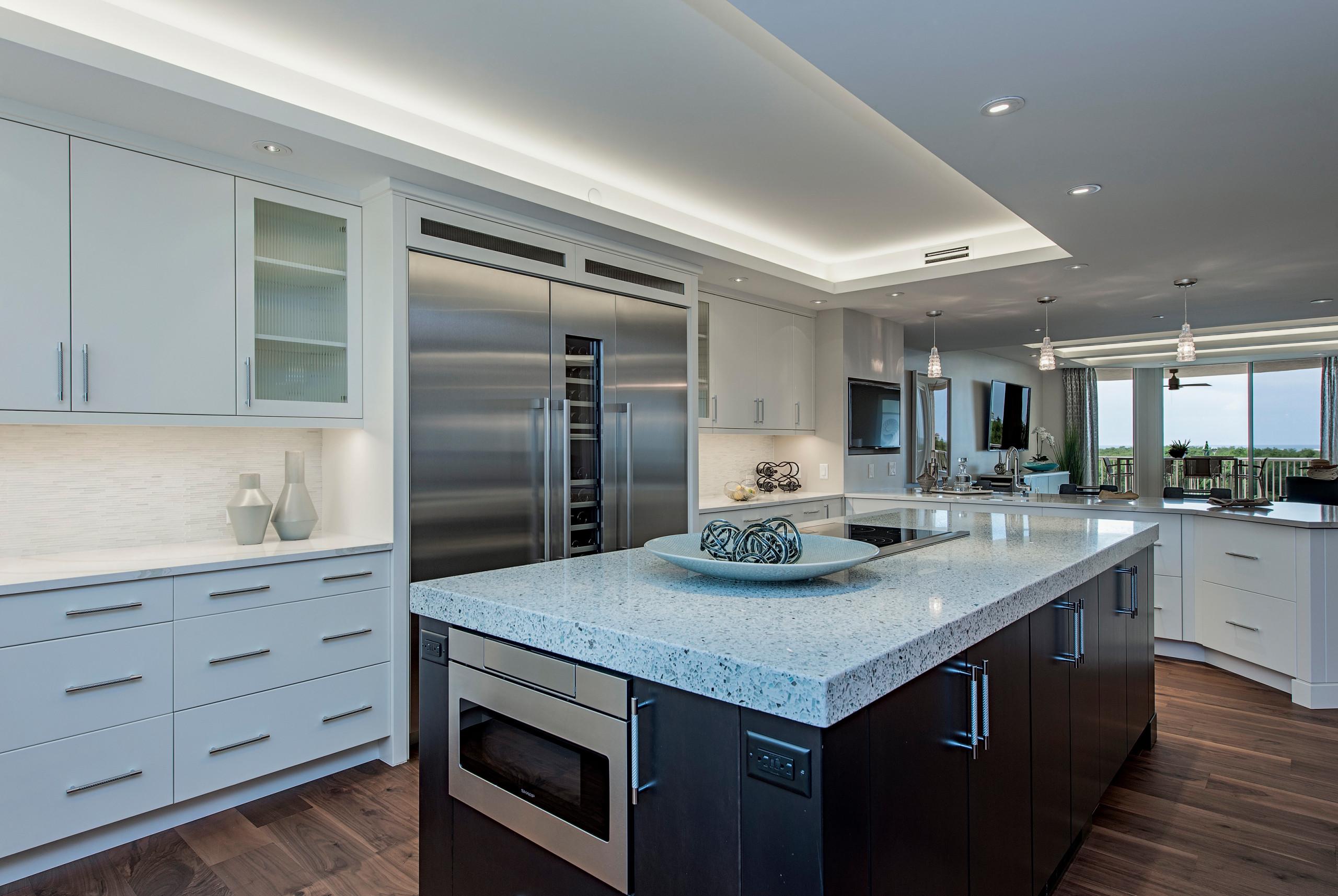 Certified Luxury Builders - 41 West - Pelican Bay - Contemporary Kitchen