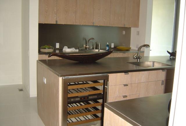 Cerused oak kitchen for Cerused oak kitchen cabinets