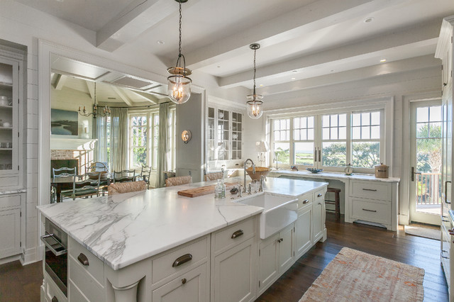 Ch d 39 s winter 2016 projects coastal kitchen charleston by charleston home design mag for Charleston home and design show 2016