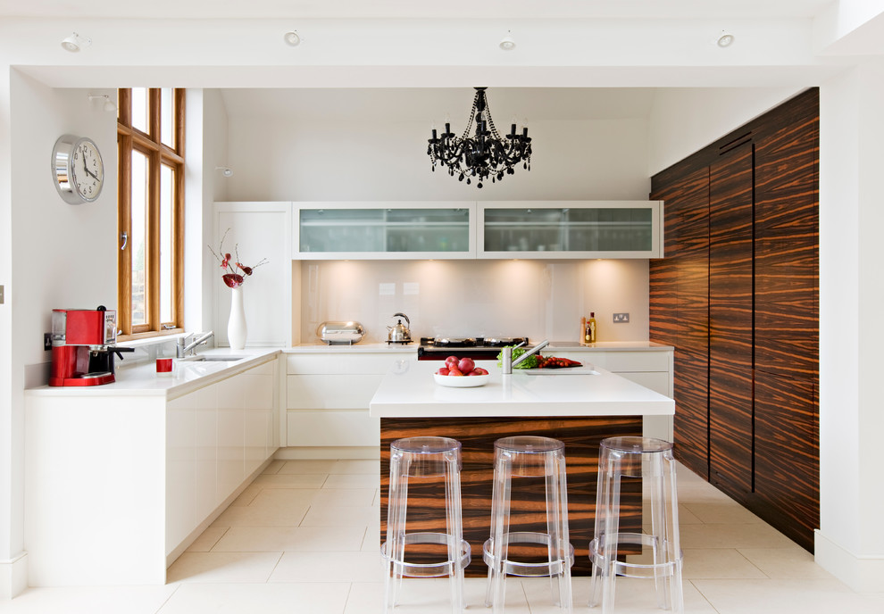Inspiration for a contemporary kitchen remodel in London