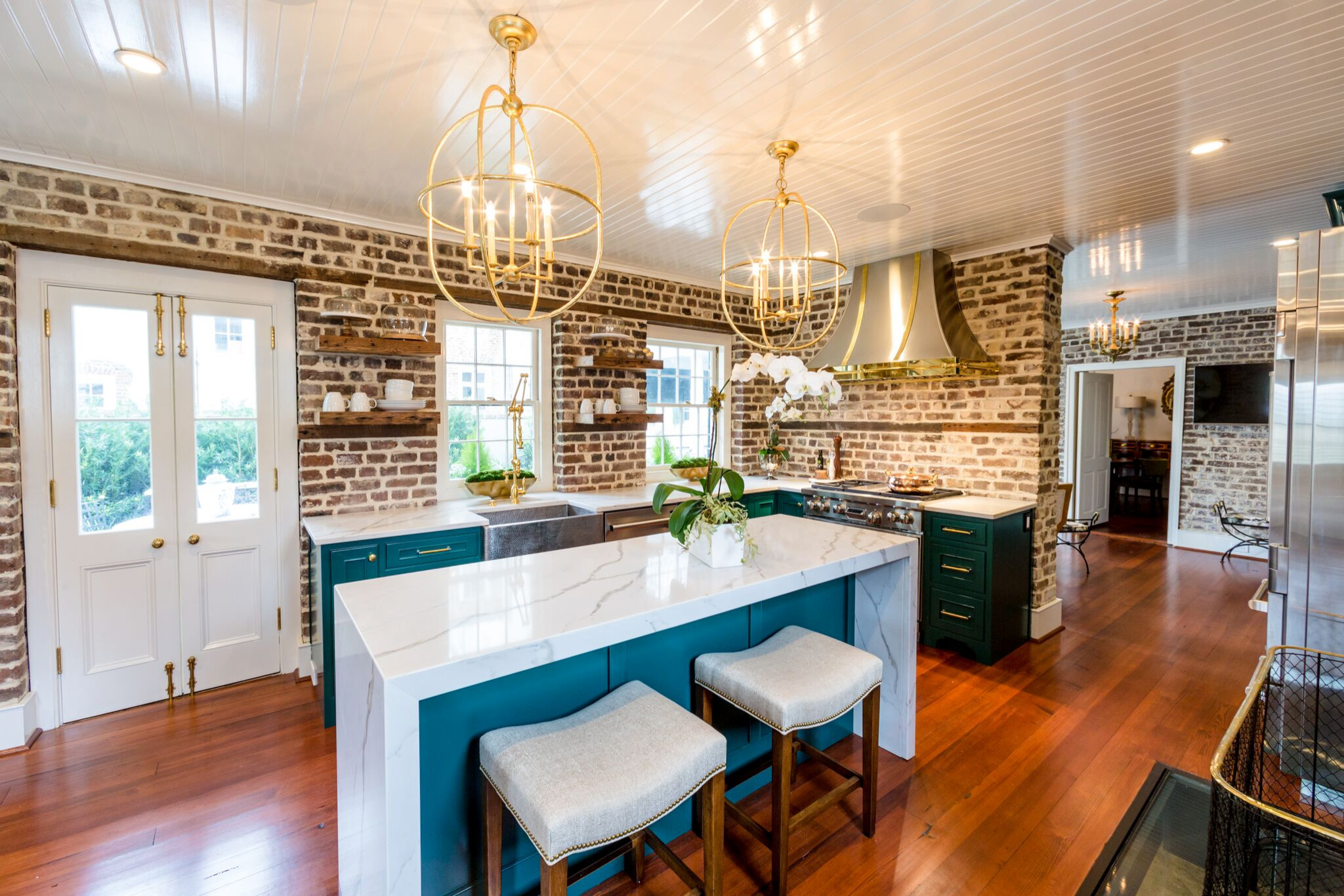 Charleston Kitchen with an island