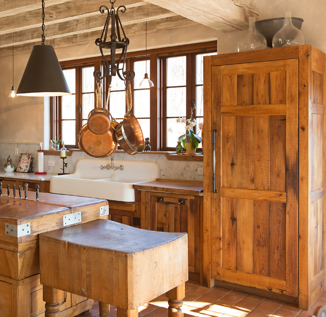 Charlestown country kitchen by timeless kitchen for Country living light mahogany kitchen island