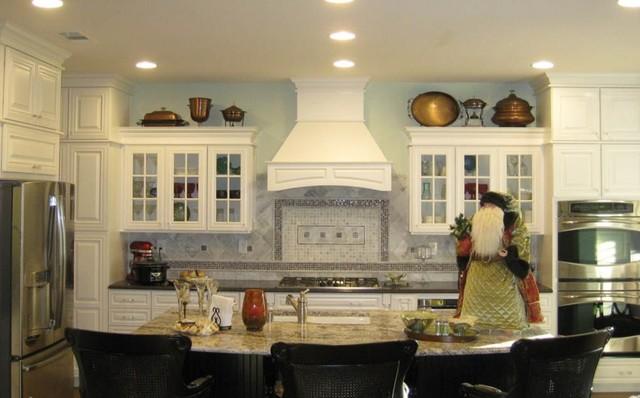 Charlottesville Maple Linen Kitchen Traditional Kitchen St