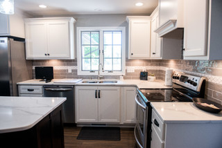 Charmed Kitchen Transitional Kitchen Chicago By Lustig Custom Cabinets Houzz Ie