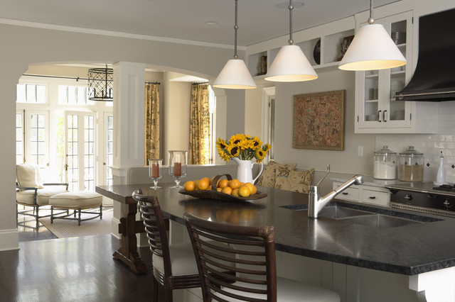 Charming Manor traditional-kitchen