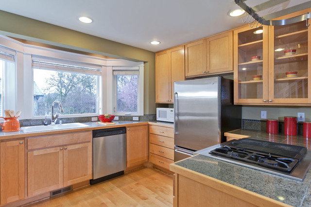 Charming Townhouse In Madison Park