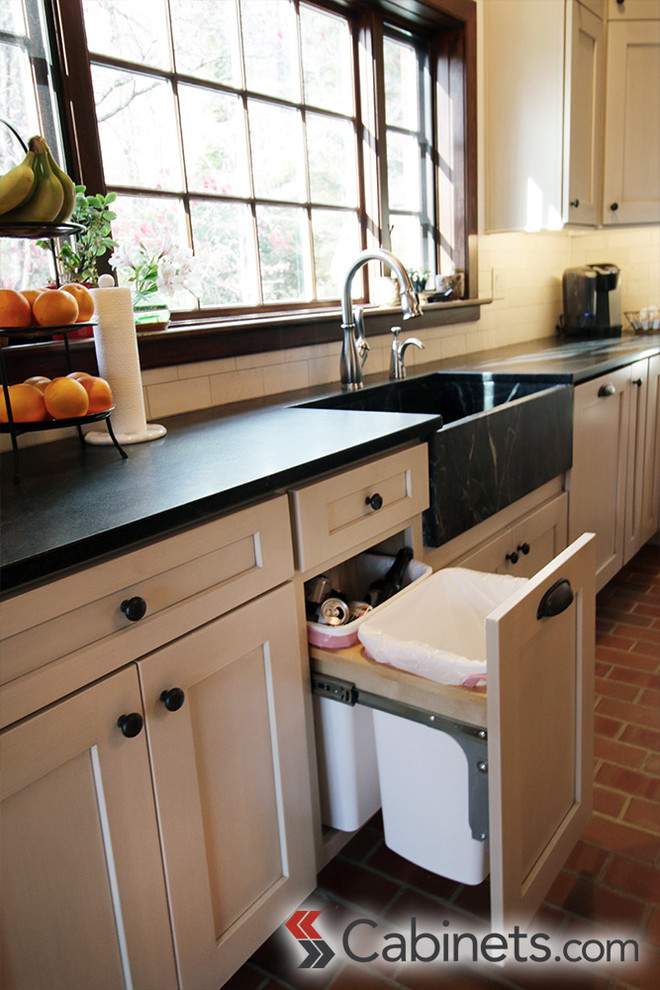 Charming Virginia Colonial Kitchen with Shaker Style ...