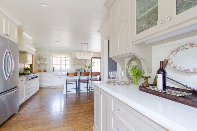 Chastain Park traditional-kitchen