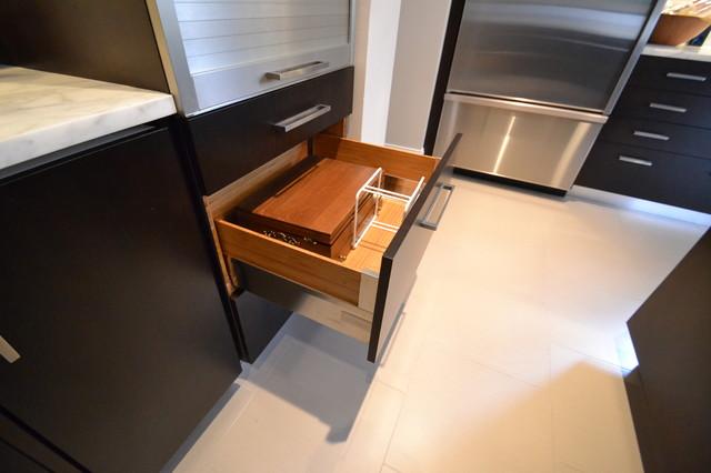 Chastain Park contemporary-kitchen