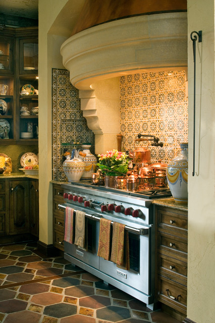 Chateau traditional kitchen minneapolis by gabberts design studio - Kitchen design minneapolis ...