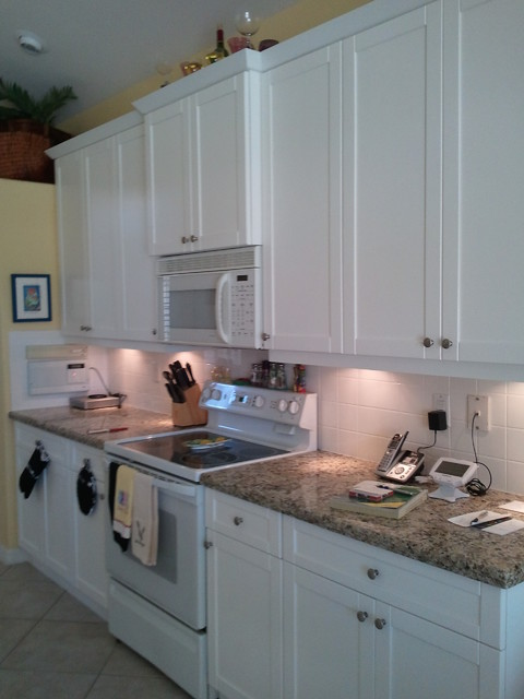 Chaused 39 s complete kitchen cabinets in fort myers beach for Kitchen cabinets fort myers