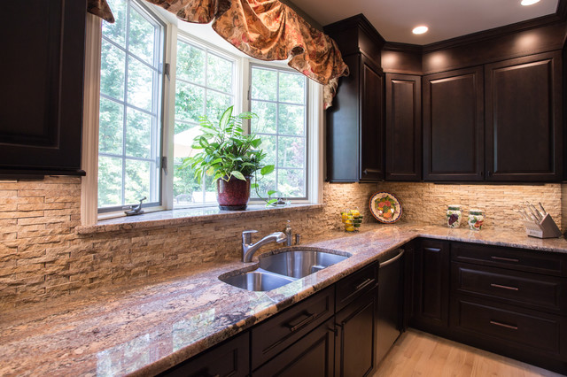 Chefs View In This Tuscan Kitchen Granite Ledge On The