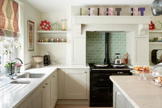 Houzz Tour: A Warm, Calm Palette Creates a Welcoming Home