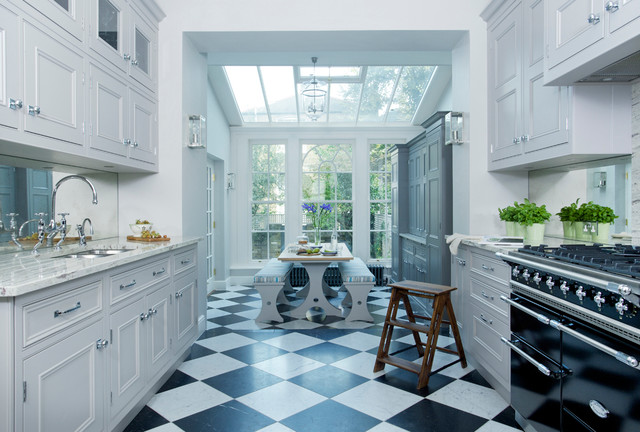 Chelsea Traditional Kitchen london by Lewis