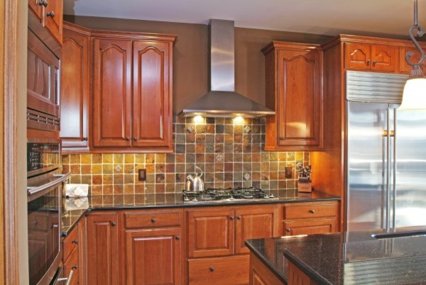 Cherry Cabinets and Slate Backsplash