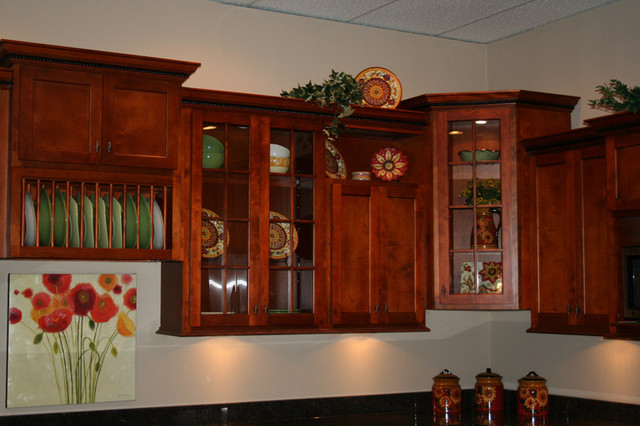Cherry Shaker Kitchen Cabinets Home Design - Traditional ...