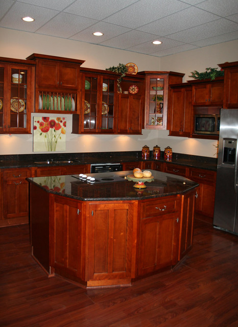 shaker cherry kitchen cabinets cherry shaker kitchen cabinets home design traditional 25979