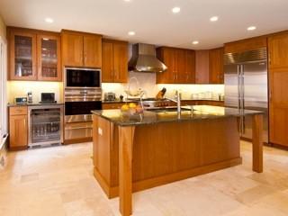 Cherry shaker prairie style kitchen traditional kitchen chicago by ddk kitchen design group for Prairie style kitchen design