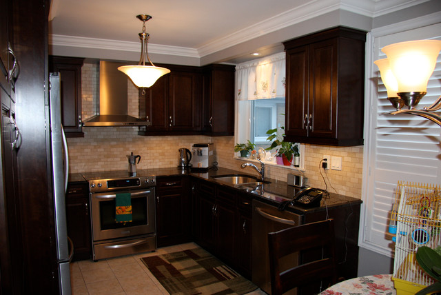 Cherry Wood Kitchen Traditional Kitchen Toronto By Alliston Home Hardware Building Centre