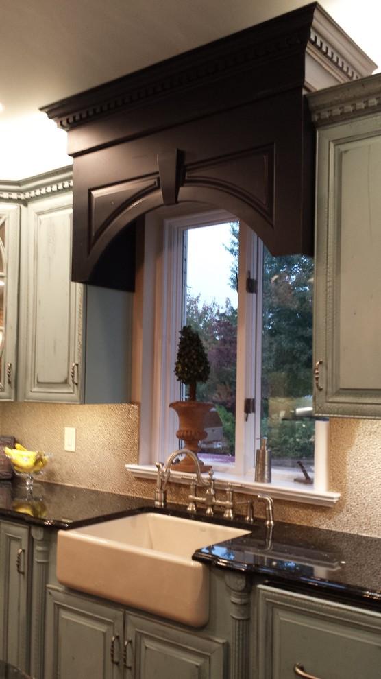 """Chesapeake Bay """"Antique"""" kitchen - Traditional - Kitchen ..."""