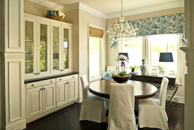 Cheshire Kitchen/Family Room traditional-kitchen