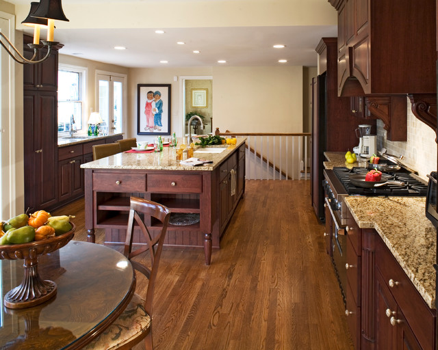 Chevy Chase Kitchen traditional-kitchen
