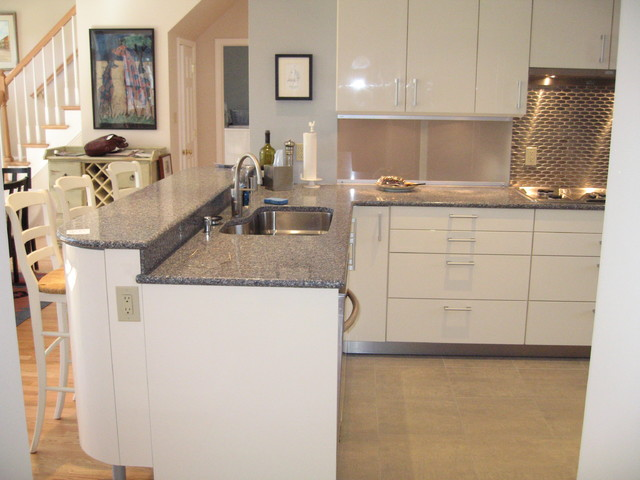 Chevy Chase, Transitional contemporary-kitchen