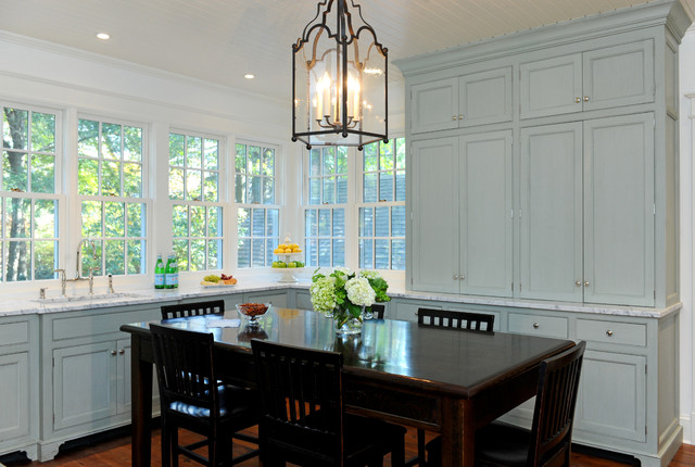 Chevy Chase Village traditional-kitchen