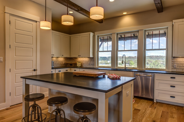 Chic Contemporary Cottonwood Design rustic-kitchen